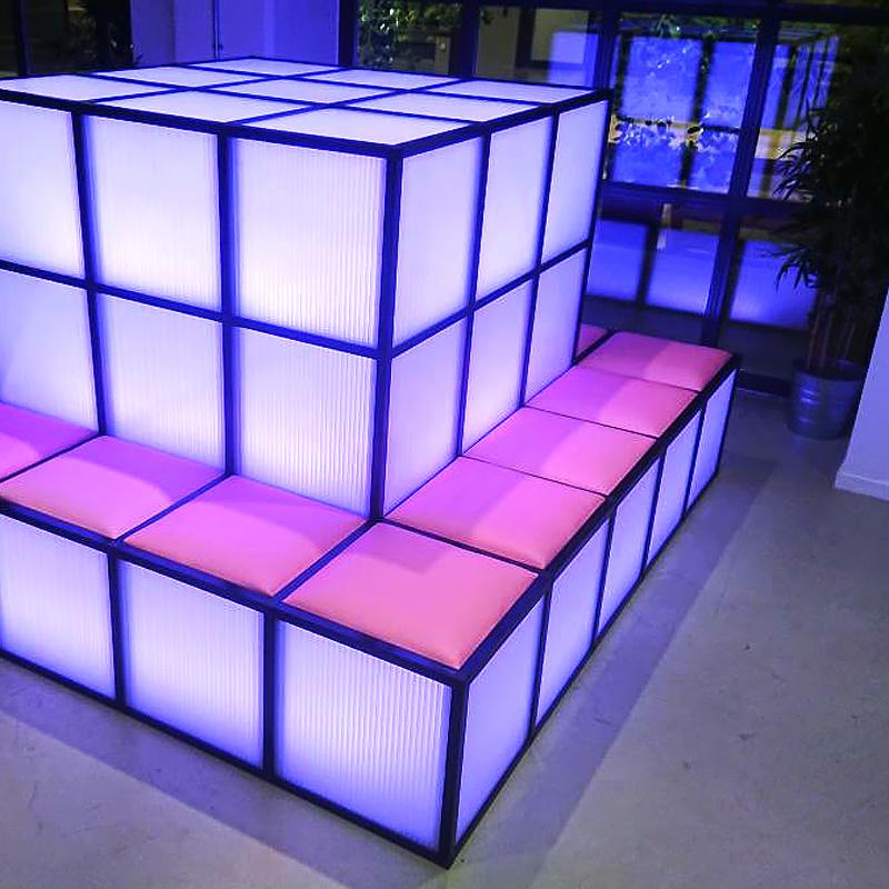 Möbler med inbyggd RGBW LED-belysning