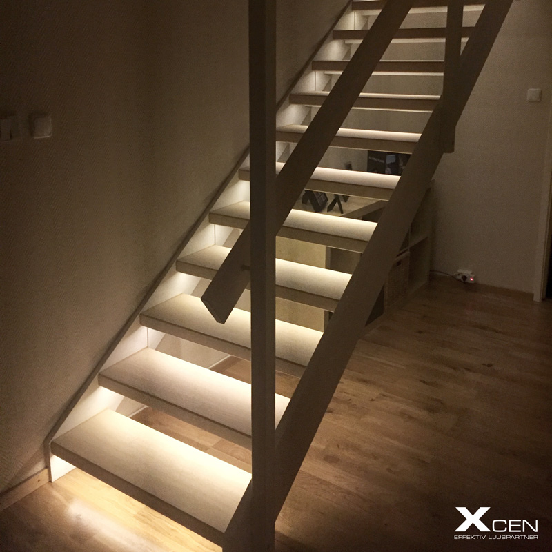 LED belysning i trappa. Enkelt och effektfullt.